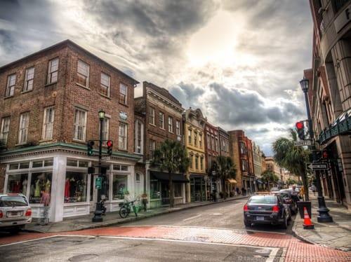 A 2 Day Charleston Itinerary - Shopping street Charleston