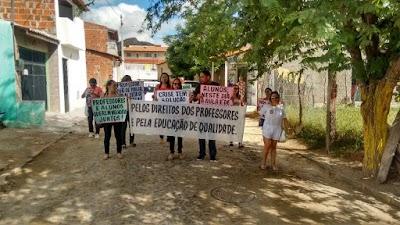 manifestações de alunos e professores na cidade de Quixadá nos dias 16 e 17 deste mês (4).jpg