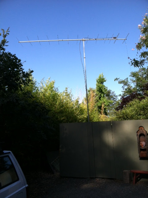 The K6PZB station antenna in Graton,                       California. Cushcraft 13B2 13 element yagi at 20                       feet with 18 dBi theoretical gain. Effective                       isotropic radiated power: 2,877 watts (65 dBm).