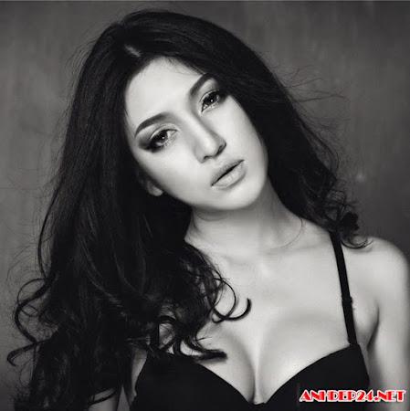 Bộ ảnh đen trắng cực sexy của hot girl 9x Tây Ninh