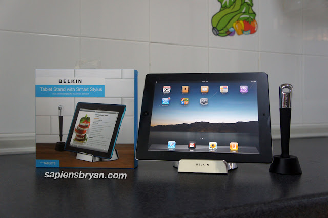 Belkin Tablet Stand with Smart Stylus