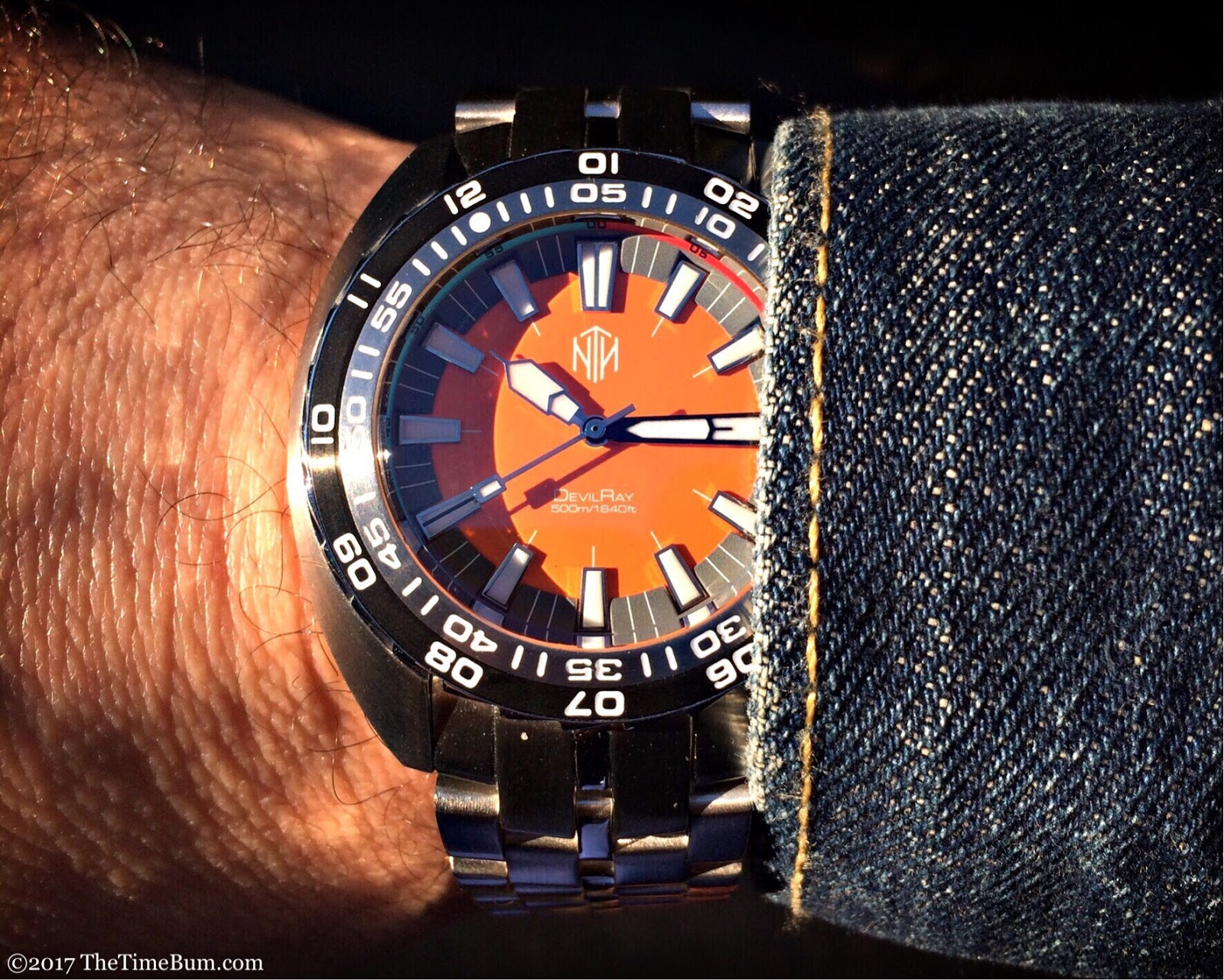 NTH DevilRay orange wrist