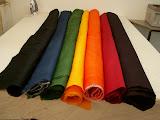– svinutí - svinutý obdelník - netkané textilie, ručně barveno, termicky pojeno,  raj . da  Master of Arts diploma work