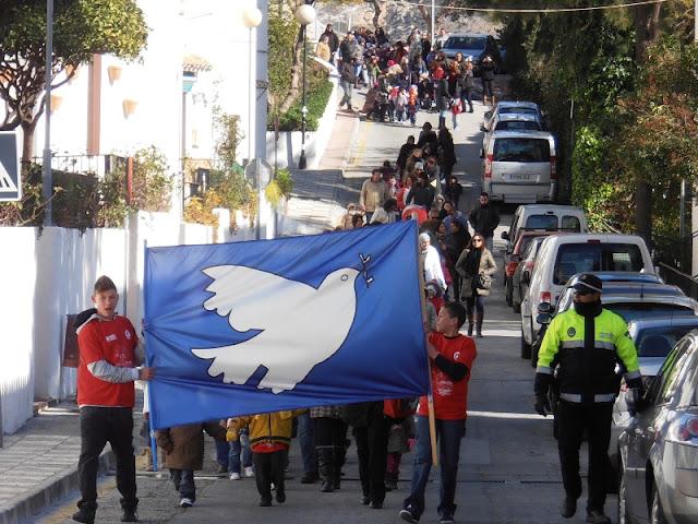 Pancarta que iniciaba la marcha por la paz del Colegio Jacaranda.