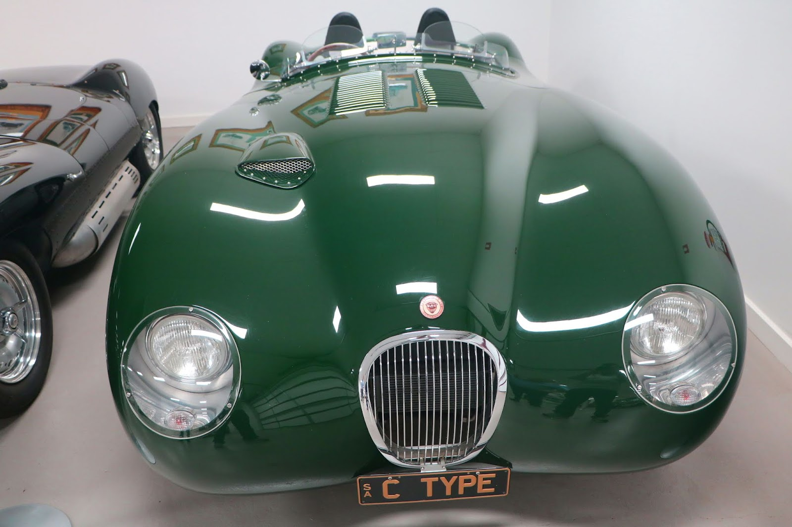 Carl_Lindner_Collection - 2011 Jaguar C-Type Replica 02.JPG