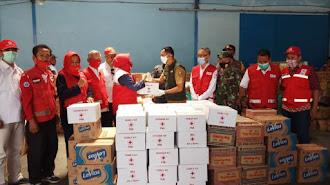 PMI Karawang Sumbang Bantuan Pada Korban Banjir Bandang Sukabumi