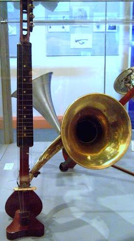 Howson horn resonator Ukulele