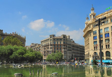 Plaza-De-Cataluna-And-Bank-Of-Spain