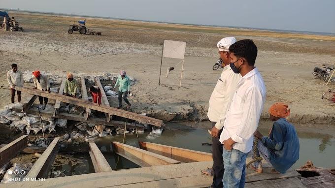 नारायणी नदी का जलस्तर बढ़ने से पीपा पुल फिर से क्षतिग्रस्त