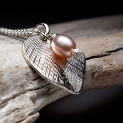 leaf and pearl bead necklace