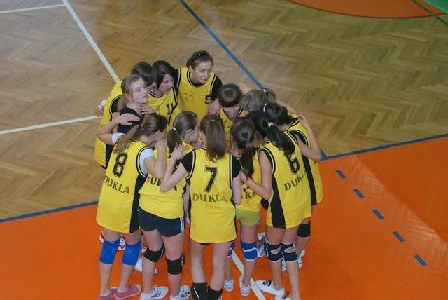 Zawody siatkarskie dziewczat 1 marca 2011 - DSC09304_1.JPG