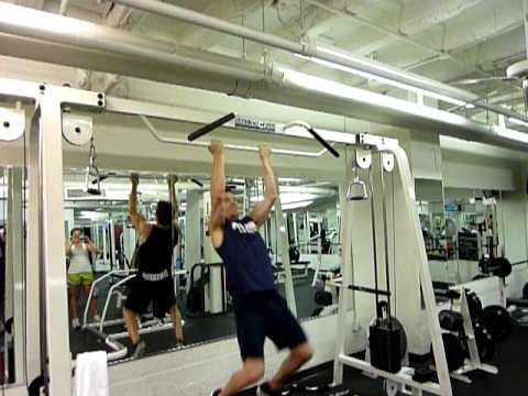 Tony Horton Doing Plyo Pull Ups, Tony Horton