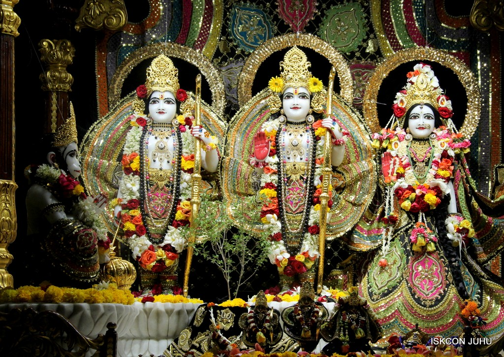 ISKCON Juhu Sringar Deity Darshan 09 April 2016 (26)