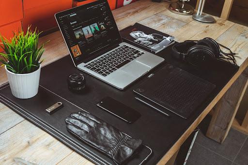 10 free image provider websites.