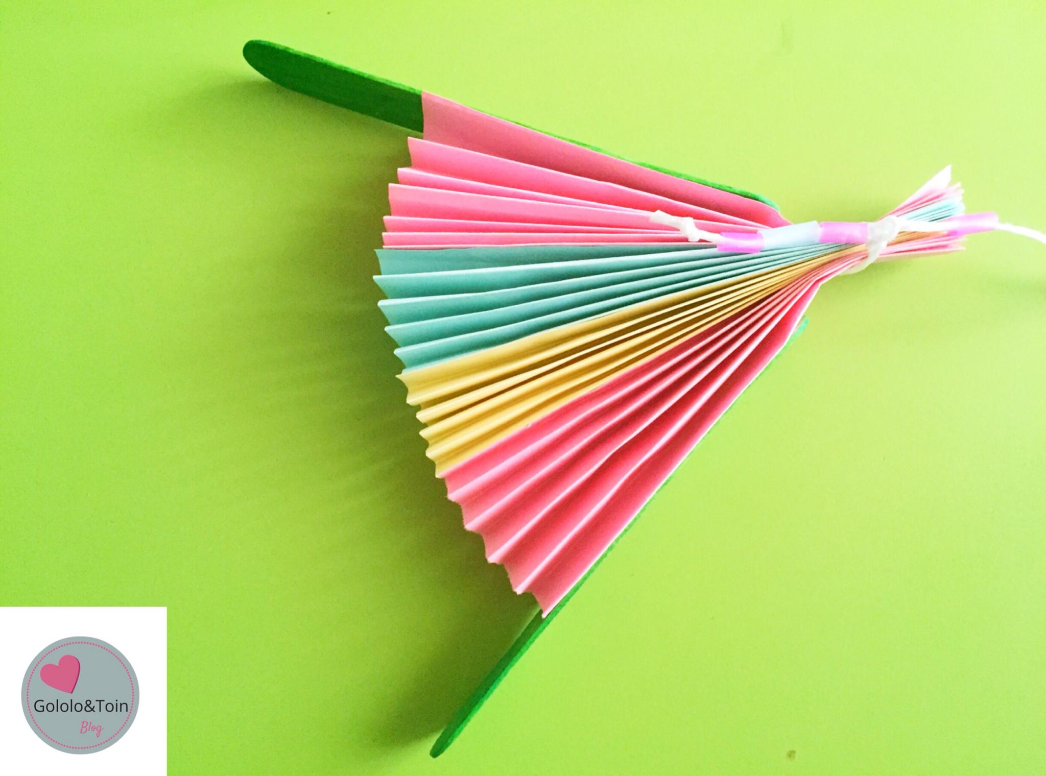 Abanico con folios de colores Diy Gololo y Toin blog de