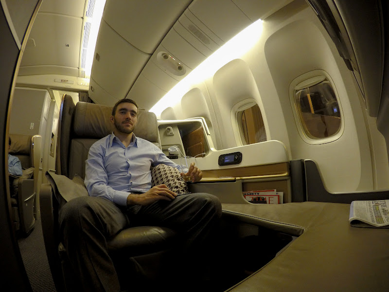 LHR SIN 33 - REVIEW - Singapore Airlines : Business Class - London to Singapore (B77WN)