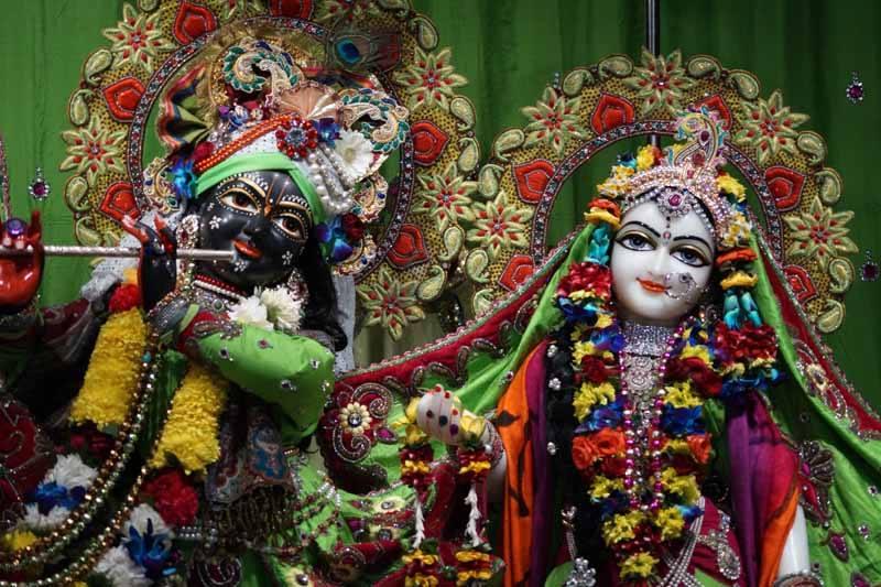 ISKCON Noida Deity Darshan 17 Dec 2015 (11)