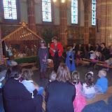 Kindje wiegen St. Agathakerk 2013 - PC251144.JPG