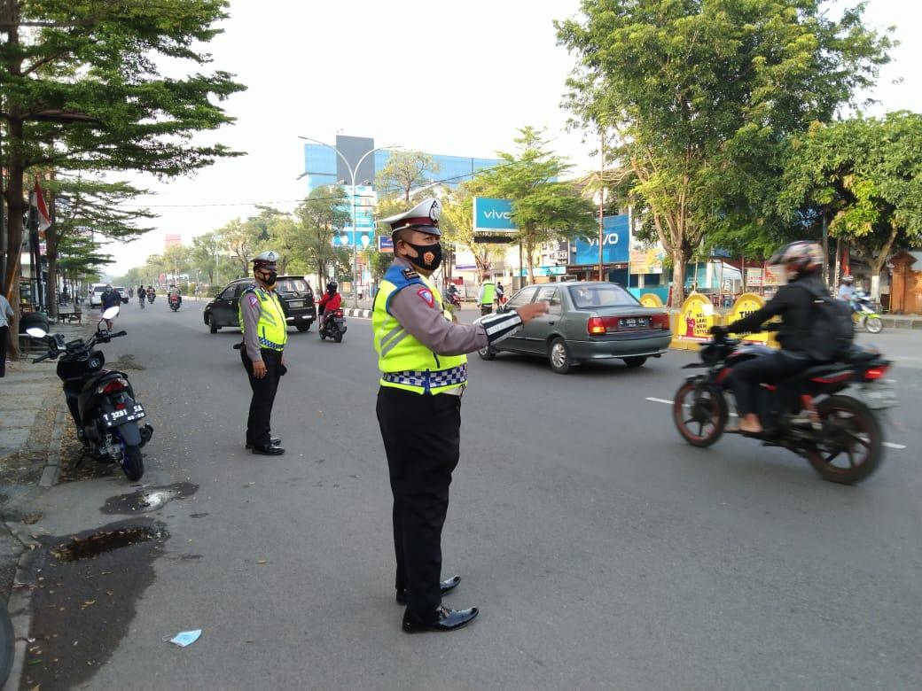 Sat Lantas Polres Cirebon Kota Gelar Gatur Pagi Di 33 Titik Dengan Terapkan Prokes