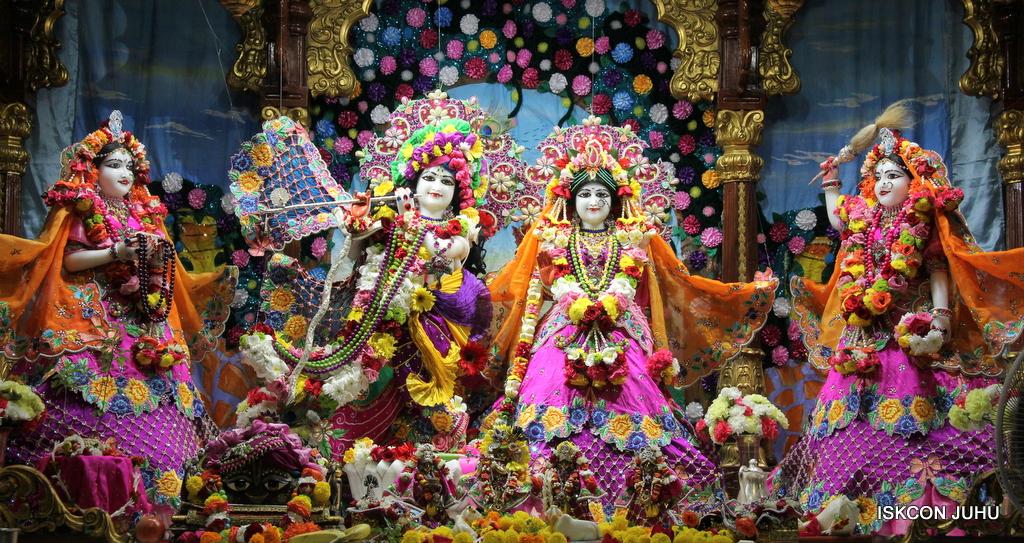 ISKCON Juhu Sringar Deity Darshan on 29th Sep 2016 (1)
