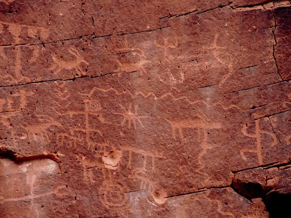 Mud Wash petroglyphs