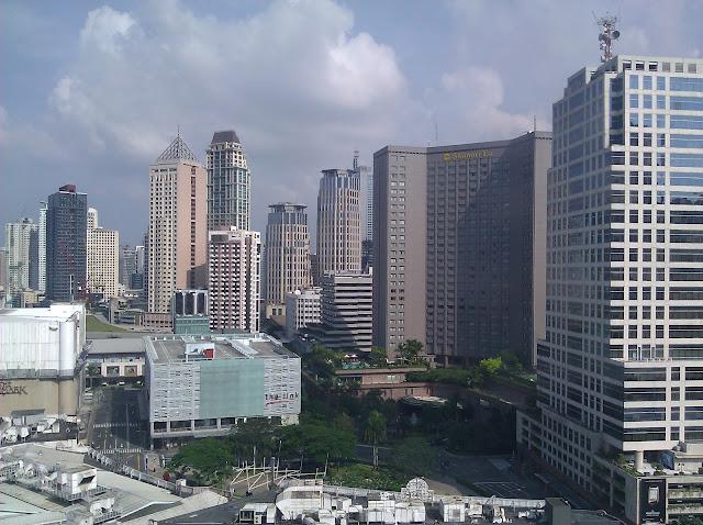 Makati CBD from Ascott Hotel 15F