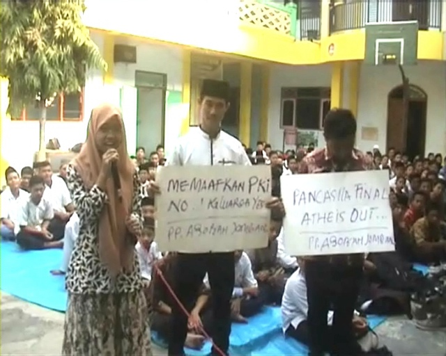 Unjuk Rasa, Santri Minta Presiden Tidak Perlu Minta Maaf Keluarga PKI