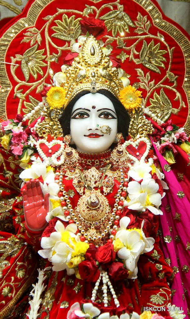 ISKCON Juhu Sringar Deity Darshan on 28th June 2016 (49)