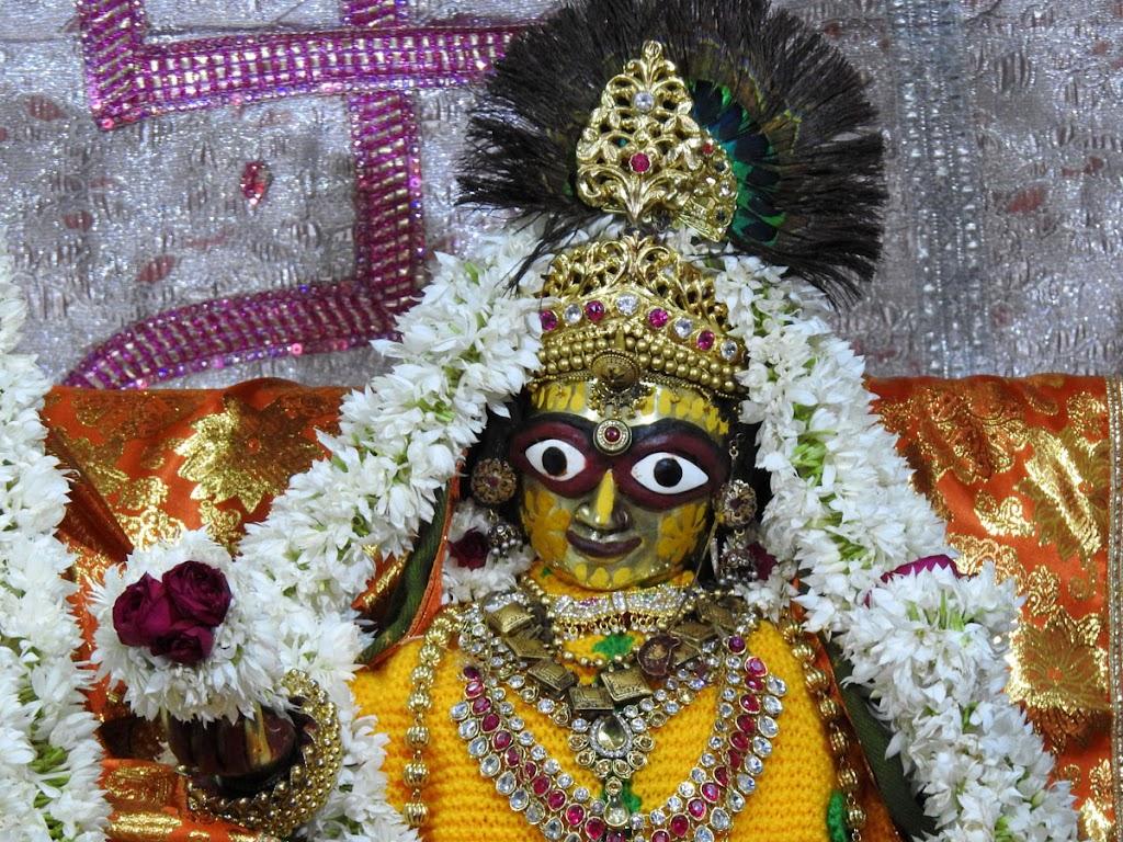 Radha Govind Devji Deity Darshan 08 Jan 2017 (6)
