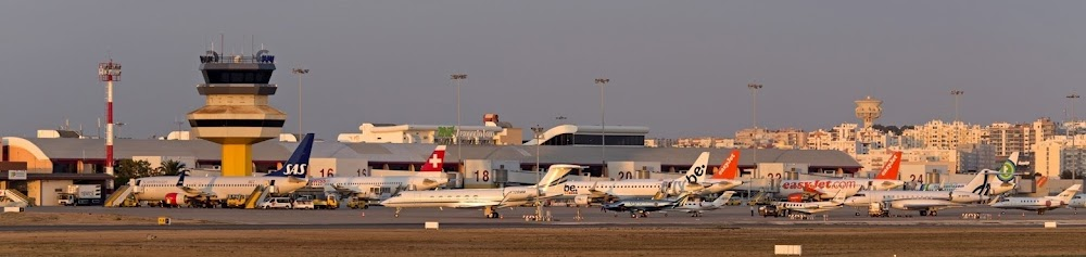 Faro Airport.jpg