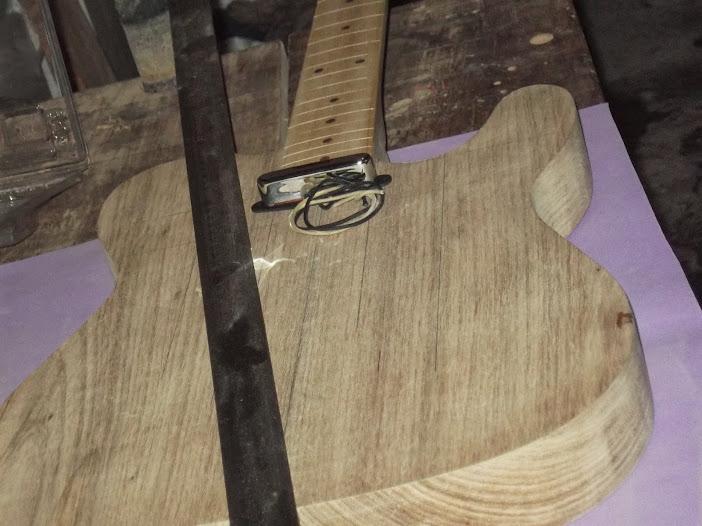 Construção guitarra telecaster, meu 1º projeto bolt on. Finalizado e com vídeo - Página 2 DSCF0827