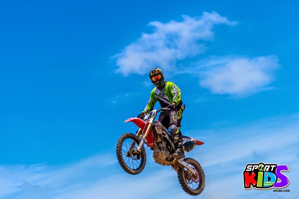 extreme motorcross Aruba - moto%2Bcross%2BGrape%2Bfiled%2BApril%2B2015-14.jpg