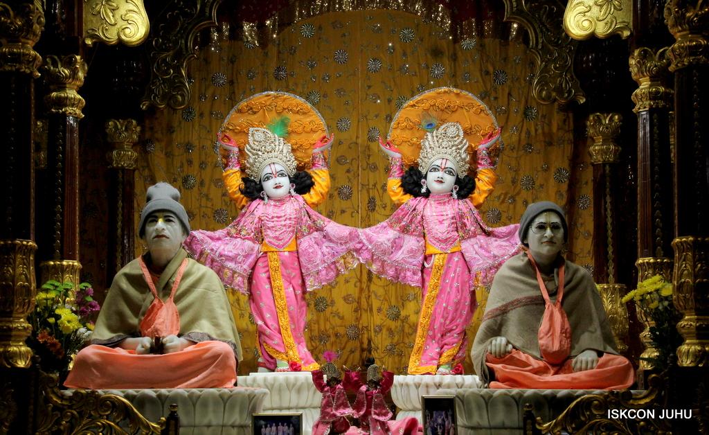 ISKCON Juhu Mangal Deity Darshan on 30th Dec 2016 (29)