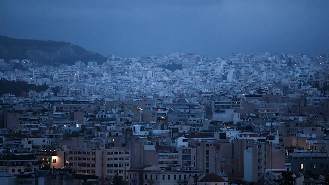 Κορονοϊός: 2.874 κρούσματα σήμερα και 15 νέοι θάνατοι - Στους 144 οι διασωληνωμένοι