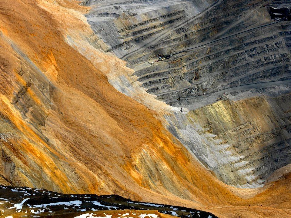 bingham-canyon-mine-landslide-5