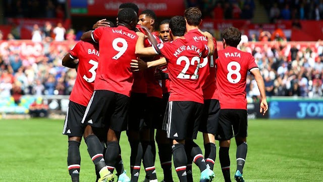 Manchester United defeats Swansea 4-0