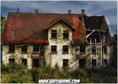 Rumah Kosong Rusak