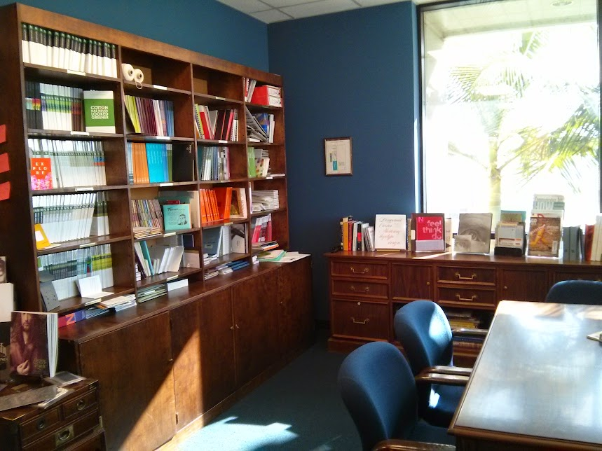 Need to look at papers? Visit our sample area. We've got all the swatchbooks from major mills and from smaller ones, too. Design and print books are also available for reference and inspiration.