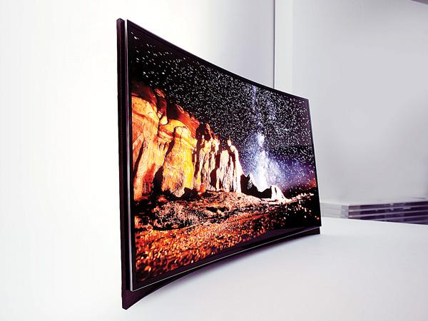 https://lh3.googleusercontent.com/-3dO8tyT5mE0/UdR7L5F3n4I/AAAAAAAAIqA/ozl8CC8H-YY/s800/Samsung_Curved_OLED_TV.jpg