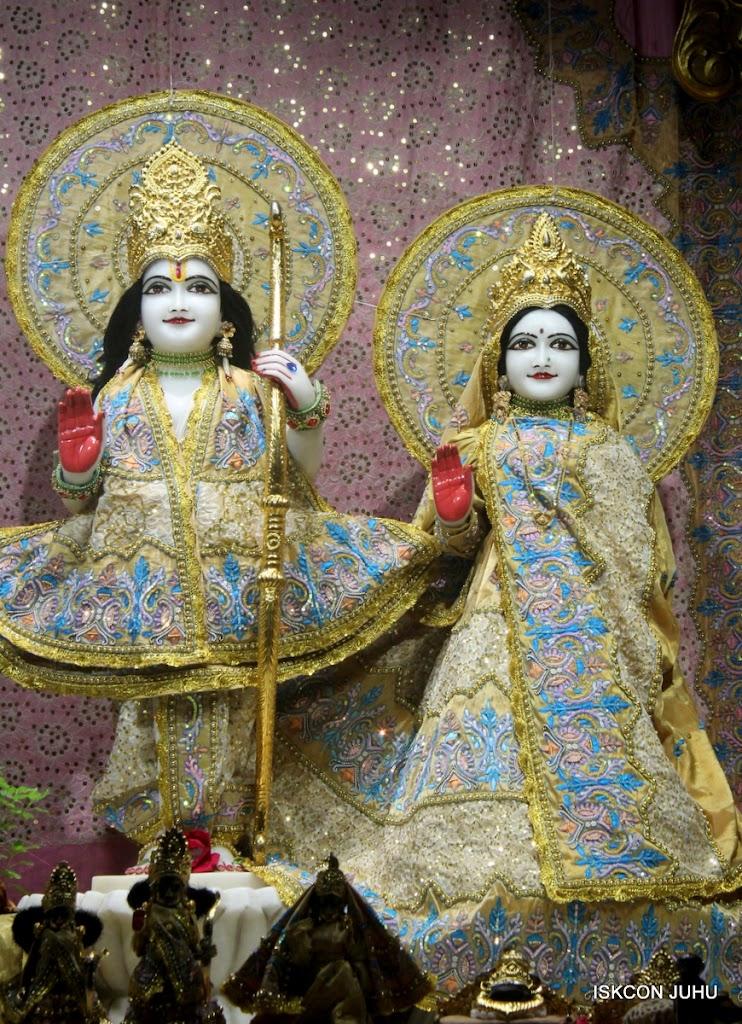 ISKCON Juhu Mangal Deity Darshan on 24th July 2016 (5)
