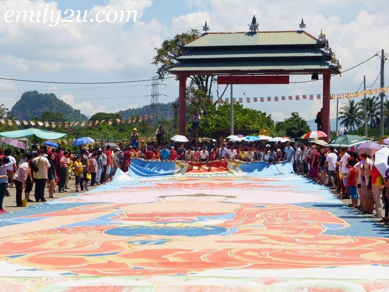 paying homage to Lord Buddha on Vesak Day