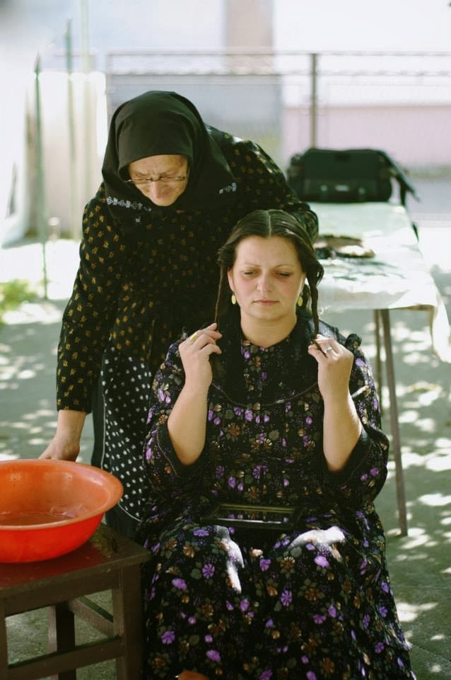 Šiškovci - Stavljanje pletenice