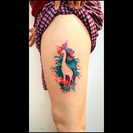 espaço_negativo_girafa_coxa_tatuagem