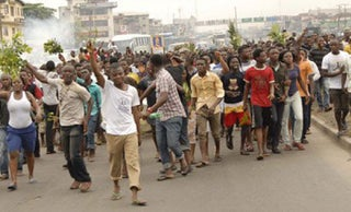 """""""There's too much killing in the land"""" - Protest Rocks S'West over Insecurity in Nigeria, sends warning to Buhari."""