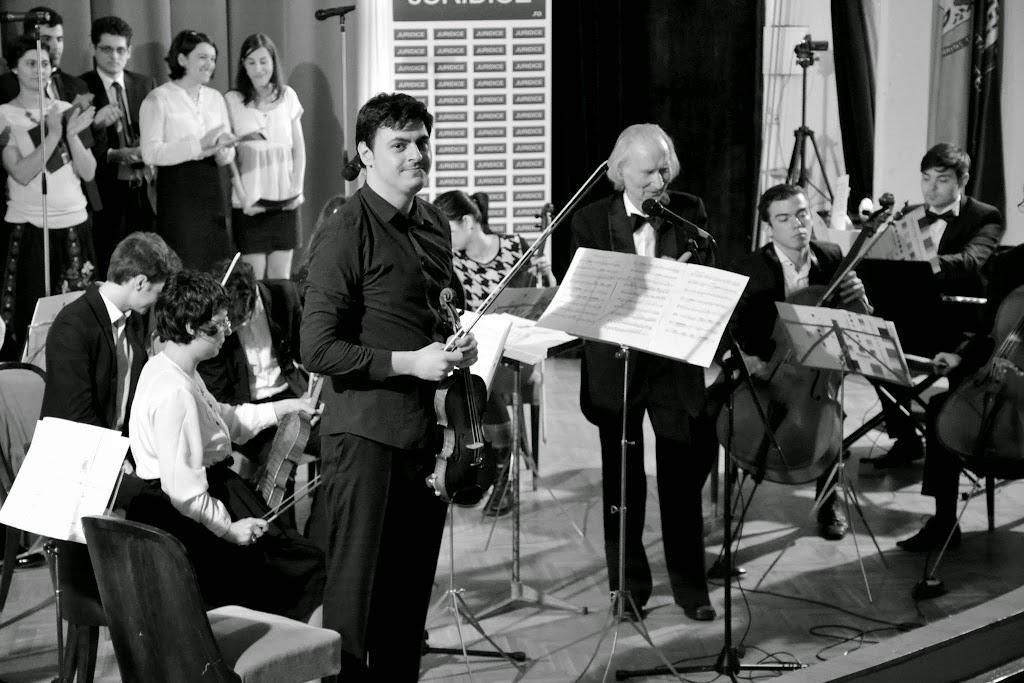 Concertul de Pasti, Corul si Orchestra Universitatii din Bucuresti (2015.04.07) - (12)