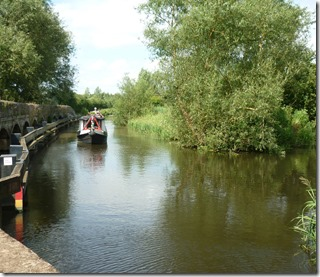 2 dave hovers at aynho lock