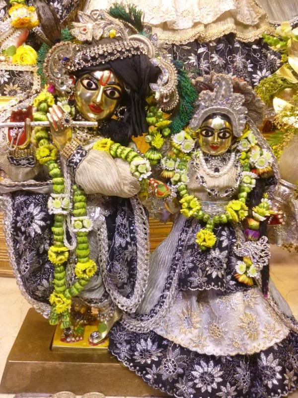 ISKCON Bhaktivedanta Manor Deity Darshan 16 Dec 2015 (5)
