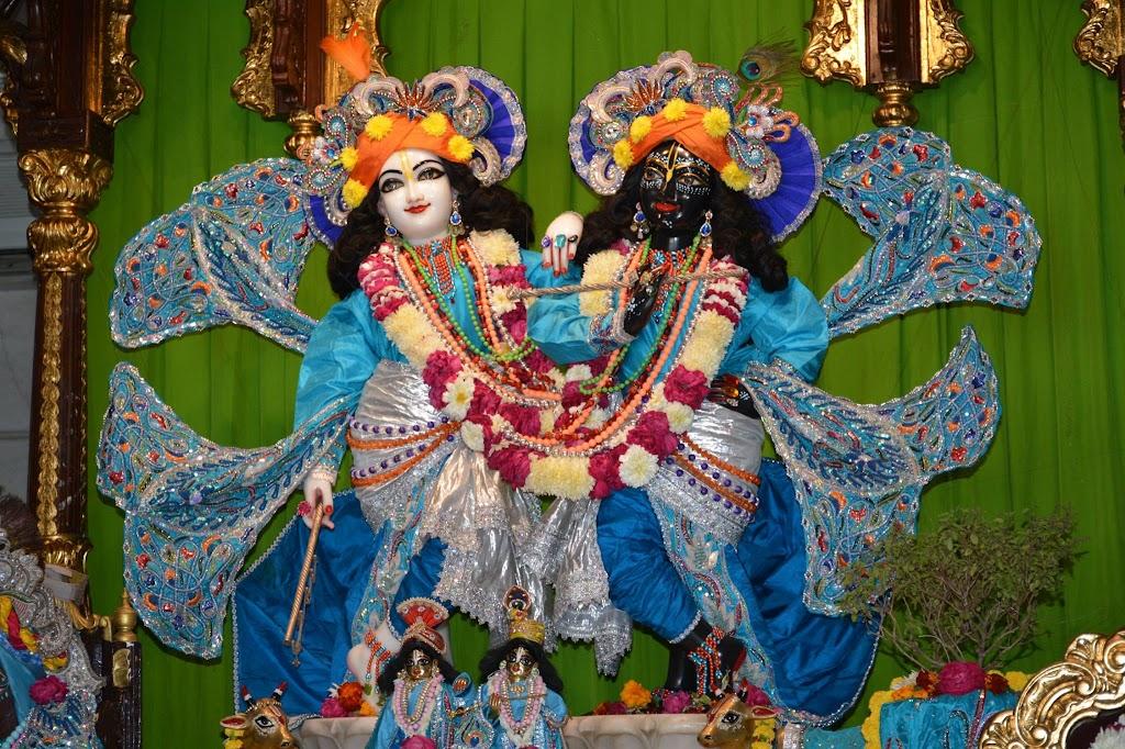 ISKCON Ujjain Deity Darshan 18 Dec 2015 (11)