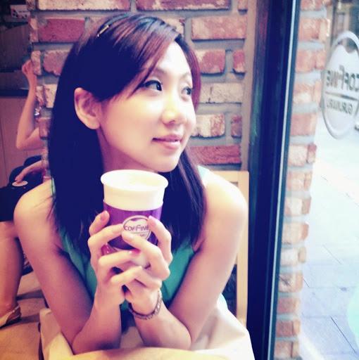 Mia Yang Photo 30