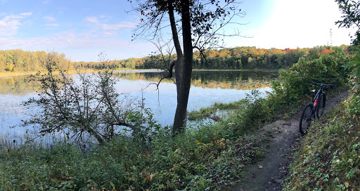 "?""Pete's Porkie"" singletrack segment on Twin Lakes. Be sure to stop and look at all the swans!"
